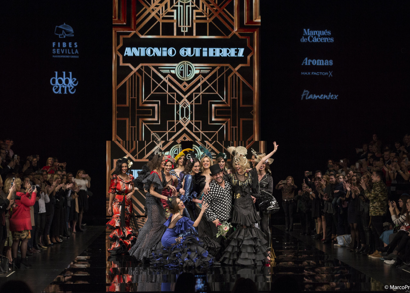 Diseñador y modelos desfile Simof 2017 Antonio Gurierrez